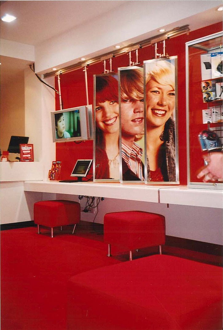 Virgin Mobile Stores – Rest Interior